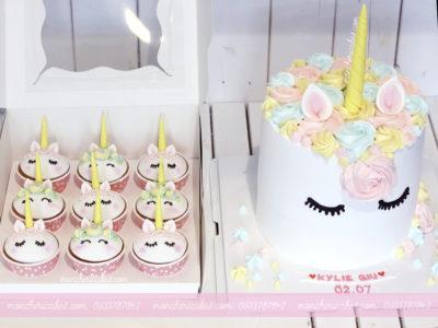 Combo bánh kem và cupcake unicorn của Mon Chéri chưa bao giờ hết hot