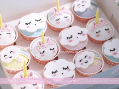 Bánh cupcake Unicorn, mây cầu vồng tông hồng